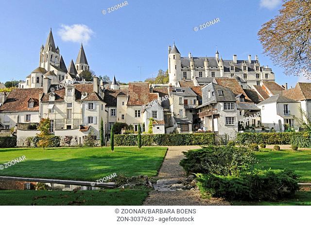 Saint-Ours Church, Logis Royal Castle, residence, Loches, Tours, Department Indre-et-Loire, Centre, France, Europe, Saint-Ours Kirche, Logis Royal, Residenz