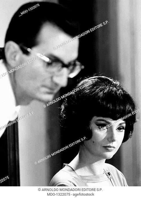 Sylva Koscina with Carlo Lizzani. Croatian-born Italian actress Sylva Koscina having a break during the making of the film 'Thrilling'
