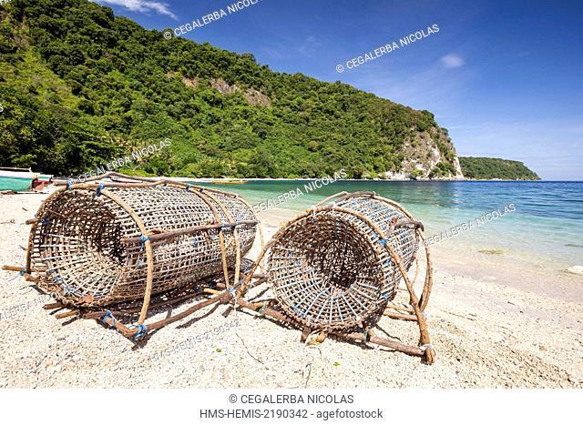 Indonesia, Lesser Sunda Islands, Alor Island, Batu Putih beach (the white stone) fish trap localy named boubou