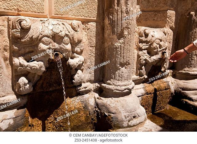 Rimondi fountain in the old town, Rethymno, Crete, Greek Islands, Greece, Europe