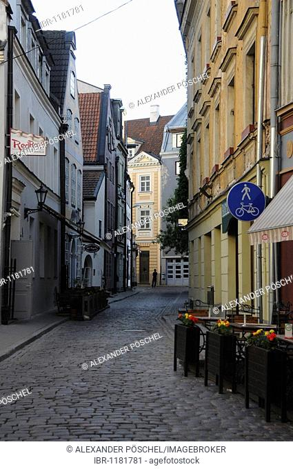 Side street with cobblestones in the Old Town of Riga, Latvia, Baltic States, Europe
