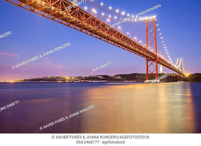 Ponte 25 de Abril, - Bridge of April 25-, Lisboa, Portugal