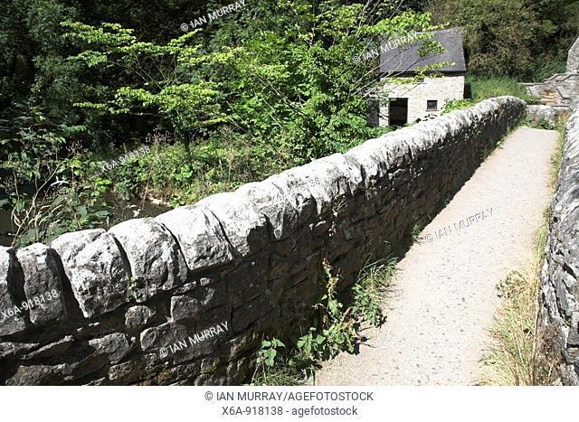 Izaak Walton's, Viator bridge at Milldale, Dovedale, Peak District national park, Derbyshire, England