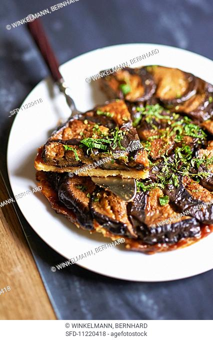 Aubergine tart with herbs