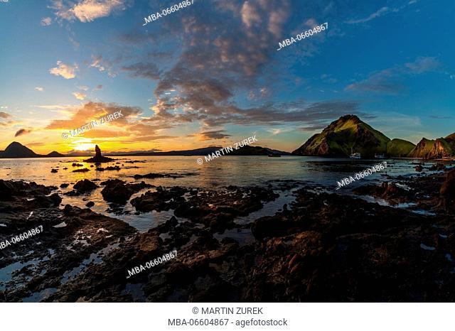 Sunrise at the beach of Gili Padar, Komodo National Park, UNESCO, world heritage, Indonesia