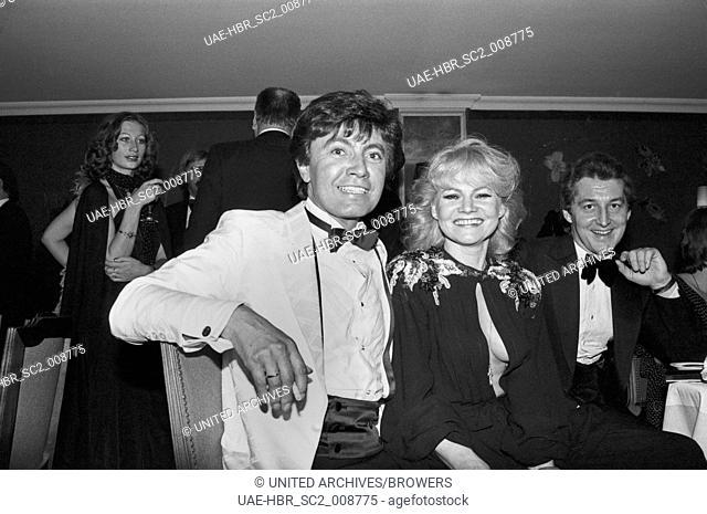 Der deutsche Schlagersänger Rex Gildo mit Ehefrau Marion beim Deutschen Filmball am 15.01.1979 in München, Deutschland 1970er Jahre