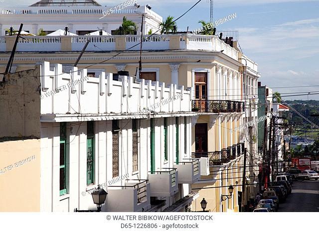 Dominican Republic, Santo Domingo, Zona Colonial, buildings along Calle Emiliano Tejera street