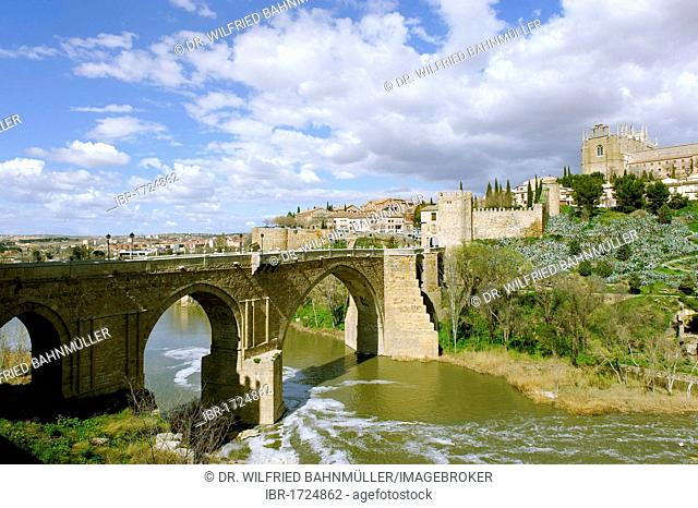Puente San Martin bridge across the Rio Tajo River, Toledo, Castile-La Mancha, Spain, Europe