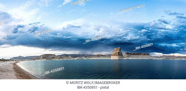 Lake Powell with Wahweap Marina, Arizona, USA