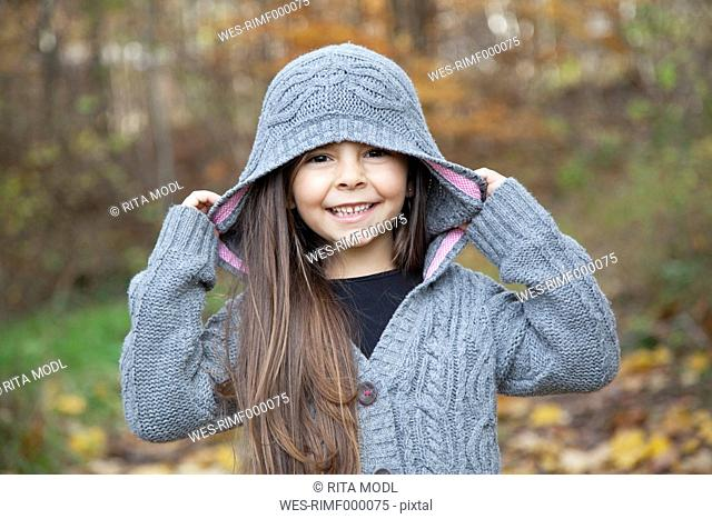 Germany, Huglfing, Girl smiling, portrait