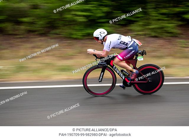 07 July 2019, Bavaria, Hilpoltstein: Sarah Crowley, triathlete from Australia, rides during the cycling stage of the Datev Challenge Roth