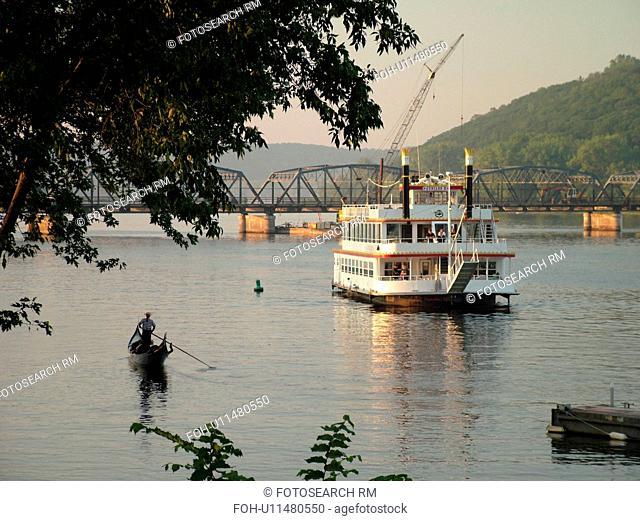 Stillwater, MN, Minnesota, WI, Wisconsin, St. Croix River, Paddle Wheeler, Anastasia, riverboat, gondola