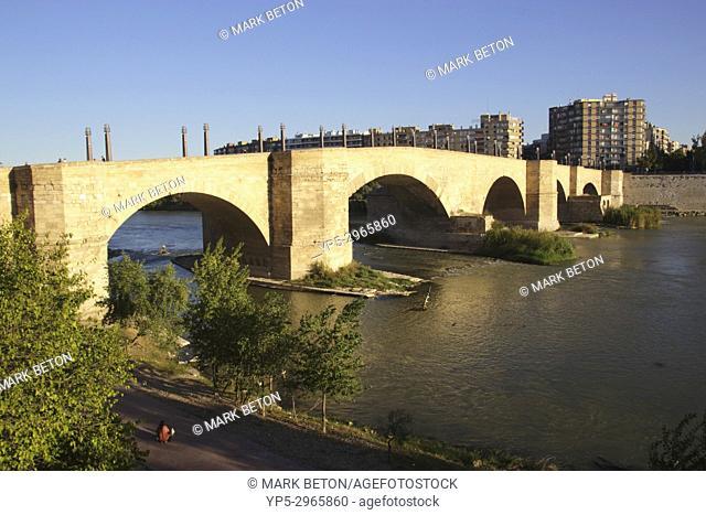 Puente de Piedra Stone Bridge across Ebro River Zaragoza Spain