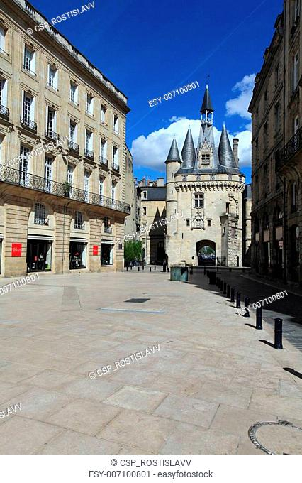 Porte Cailhau (XV-XVI c.), Bordeaux, France