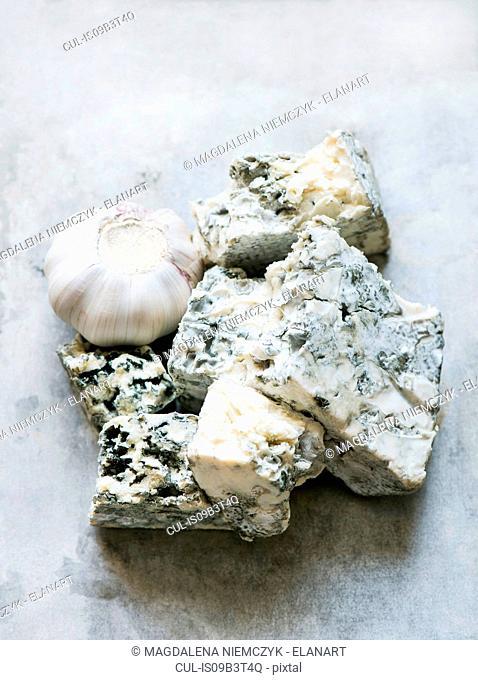 Garlic, blue cheese