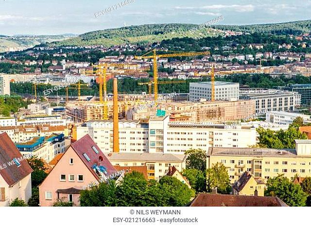 Malerischer Blick auf Stuttgart Deutschland die modernen Hochhäuser unter den traditionellen historischen Architektur