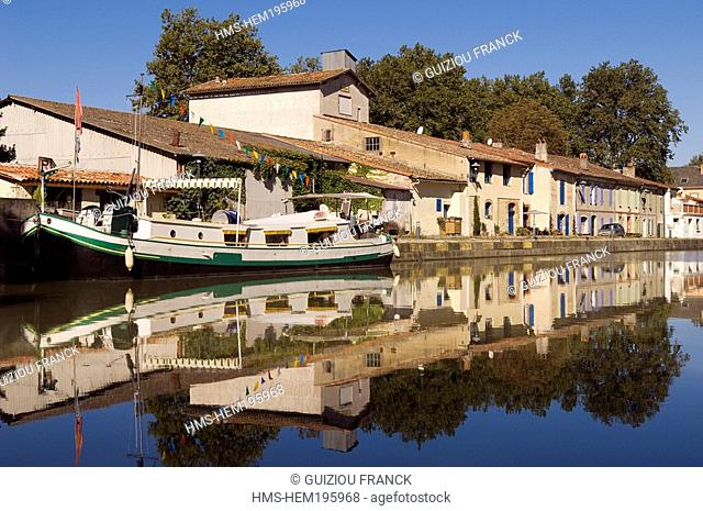 France, Haute Garonne, harbour on Canal du Midi listed as World Heritage by UNESCO near Avignonet Lauragais
