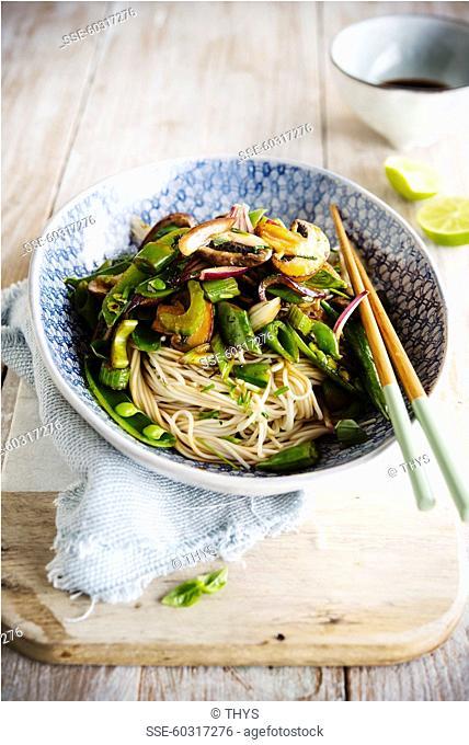 Asian noodles with vegetables sauté