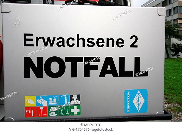 New Austrian emergency car of the red cross - Österreich, 01/01/2009