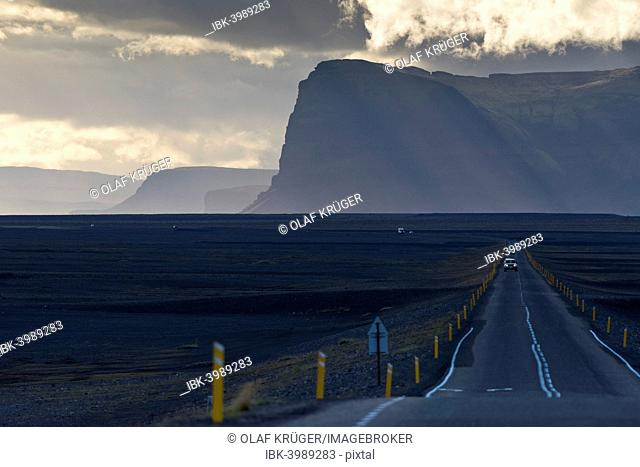 Ring Road, Lómagnúpur mountain, Skeiðarársandur, South Coast, Iceland
