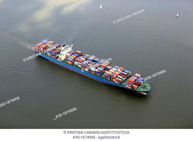Container ship, Elbe, Hamburg, Germany, Europe