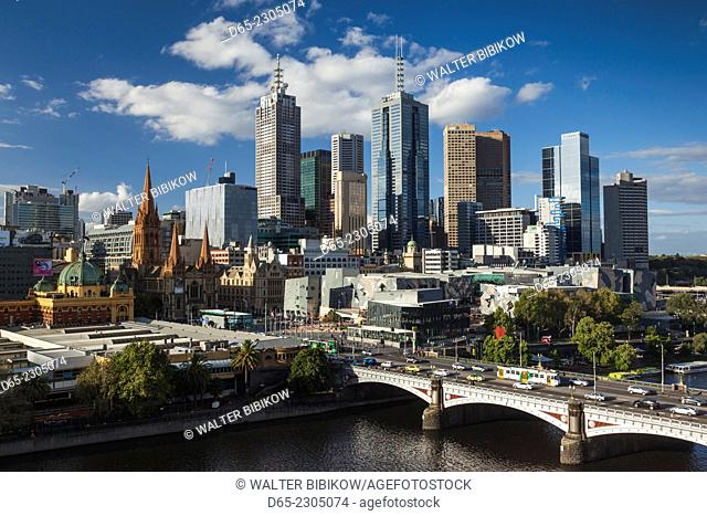 Australia, Victoria, VIC, Melbourne, skyline with Yarra River and Princess Bridge, late afternoon, elevated view