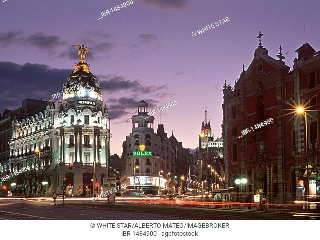 Metropolis building at the corner of Gran Via and Alcala, in the evening, Madrid, Spain, Europe