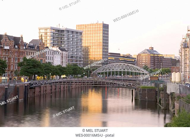 Germany, Hamburg, Channel between Speicherstadt and old town