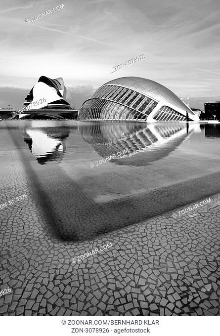 Die Ciudad de las Artes y de las Ciencias ist ein Science Center in Valencia. Die Bauzeit dauerte von 1991 bis 2006. Es liegt in dem trockenem Flussbett des Río...