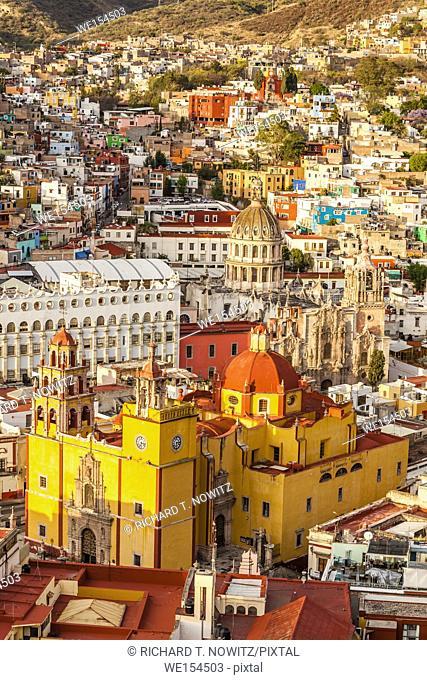 High angle view of the yellow church of Parroquia de Basílica Colegiata de Nuestra Señora de Guanajuato