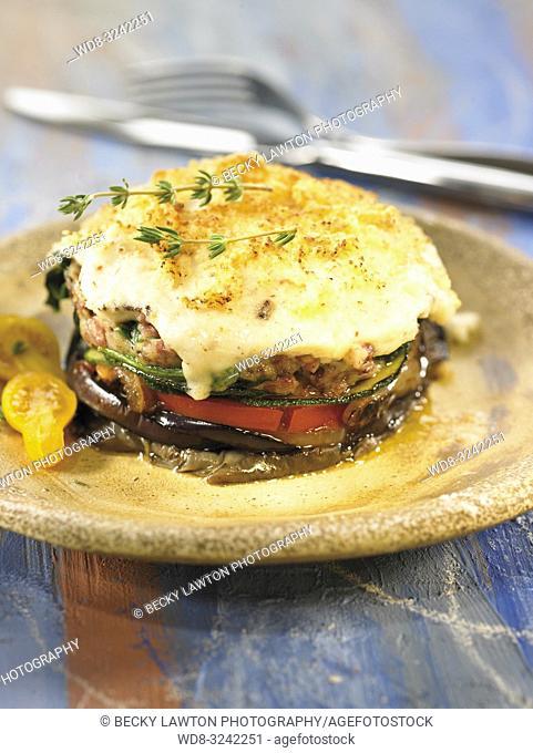 pastel de carne de buey con verduras