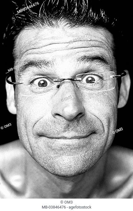 Climbers, Miguel Riera, portrait, s/w, broached, personality-rights, series, heed people, men's-portrait man young, smiles, cheerfully, gaze camera, glasses