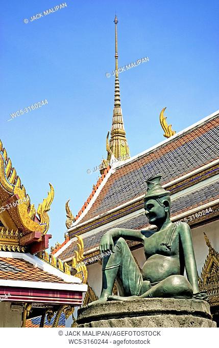 buddha statue in grand palace of bangkok thailand