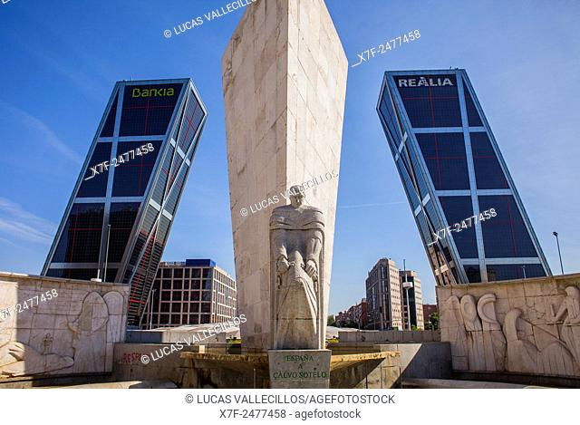 The Kio Towers and Calvo Sotelo monument in the Plaza de Castilla. Madrid, Spain