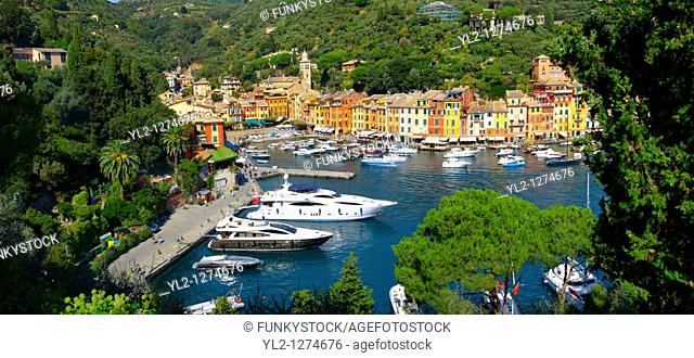 Harbour of Portofino  fashionable seaside fishing village for the wealthy  Ligurian Coast  Italy