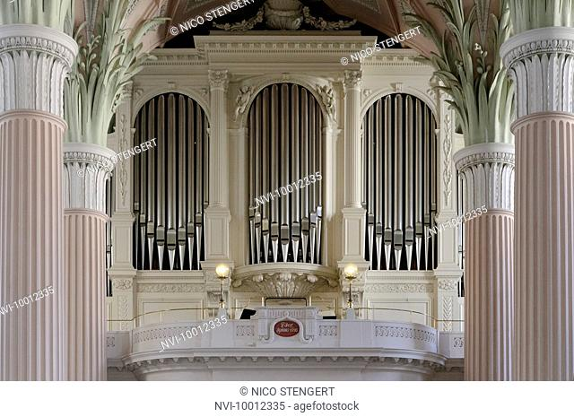 Organ, Nikolaikirche church, Leipzig, Saxony, Germany, Europe