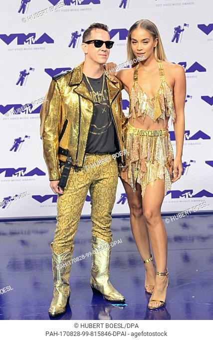 Jeremy Scott and Jasmine Sanders arrive at the 2017 MTV Video Music Awards, VMAs, at The Forum in Inglewood, Los Angeles, USA, on 27 August 2017