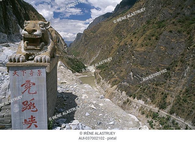 China - Yunnan - Tibetan Borders - Daju and the Tiger Leaping Gorge