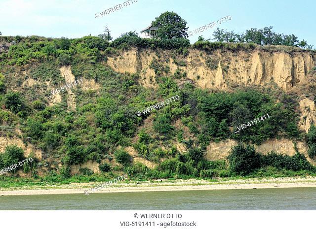 SERBIEN, STARA PAZOVA, SURDUK, 30.06.2018, Serbia, Surduk on the Danube, Vojvodina Province, Srem District, Stara Pazova municipality, Danube landscape