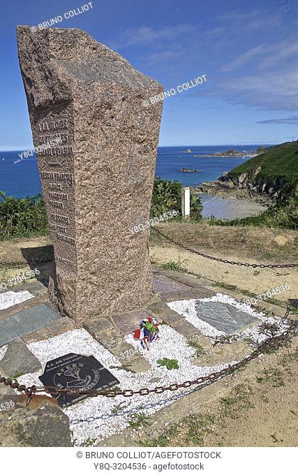 Pointe de Plouha, stele. Cote d'Armor, Brittany, France