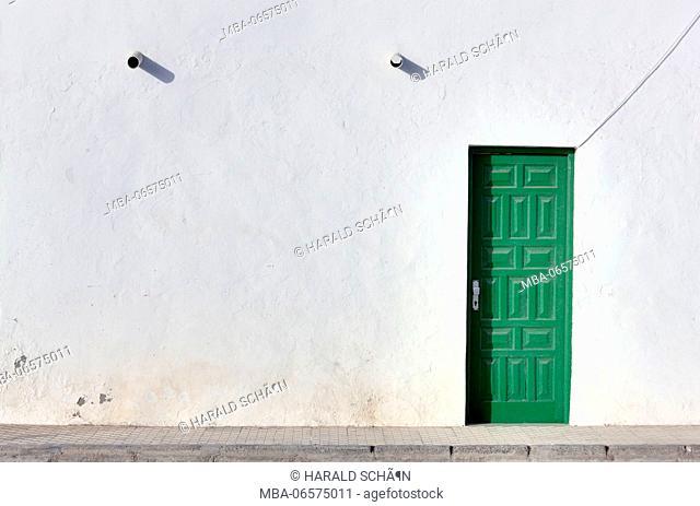 Spain, Fuerteventura, Puerto Punta Jandia, wall, house, door, green, closed