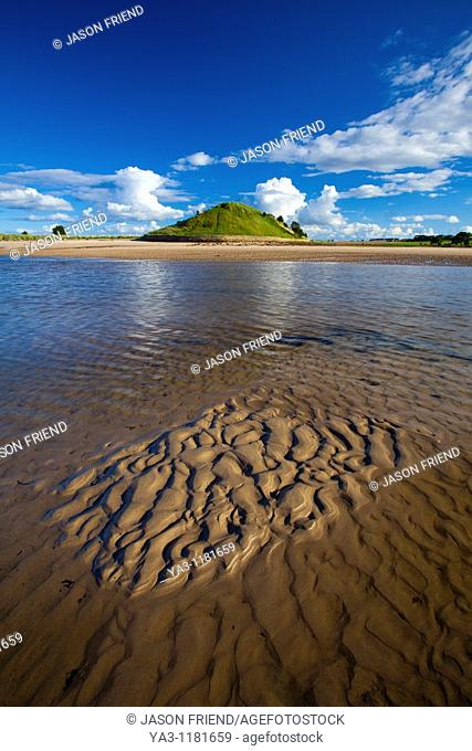 England, Northumberland, Alnmouth  The tidal Aln Estuary at Alnmouth  The hill in the distance is known as Church Hill