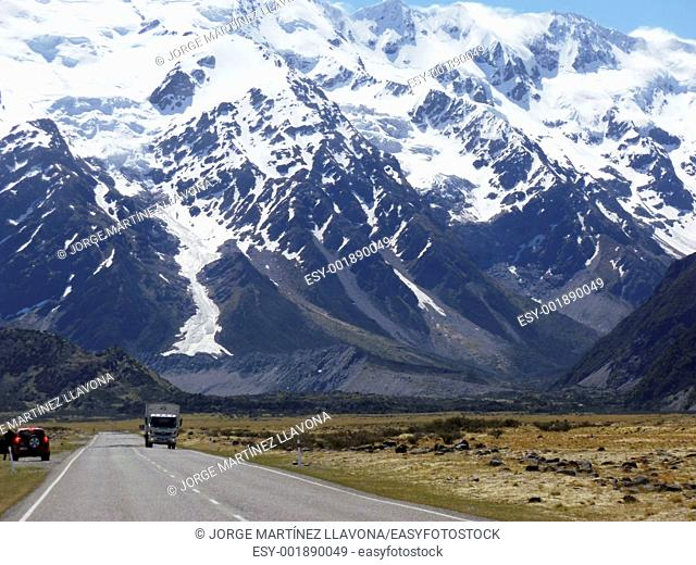 Mount Cook Road and Truck
