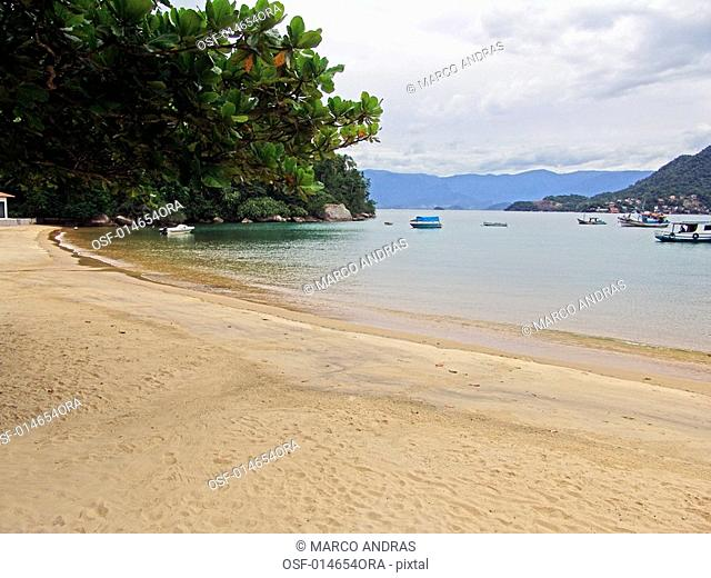 some boats anchored at angra dos reis island