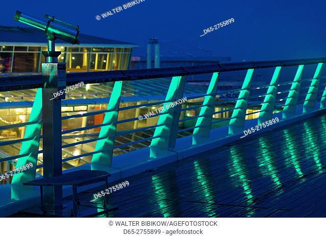 Netherlands, Scheveningen, De Pier, Scheveningen Pier, telescope, dusk