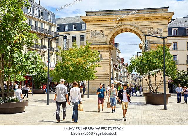 Place Darcy, Porte Guillaume, Dijon, Côte d'Or, Burgundy Region, Bourgogne, France, Europe