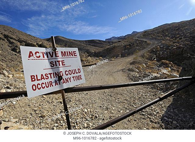 Active mining sign warning, Panamint Mountains, California, USA