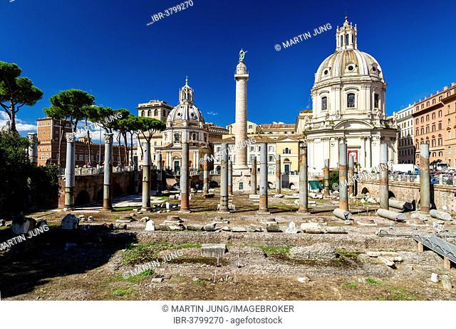 Trajan's Forum with the Trajan's Column and the columns of the Basilica Ulpia, at back the churches of Chiesa SS Nome di Maria e Bernardo, right