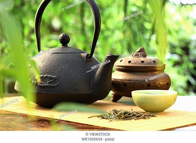 Tea and incense burner