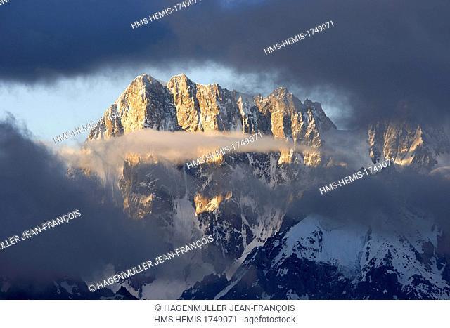 France, Haute Savoie, Chamonix Mont Blanc, Grandes Jorasses (4208m)